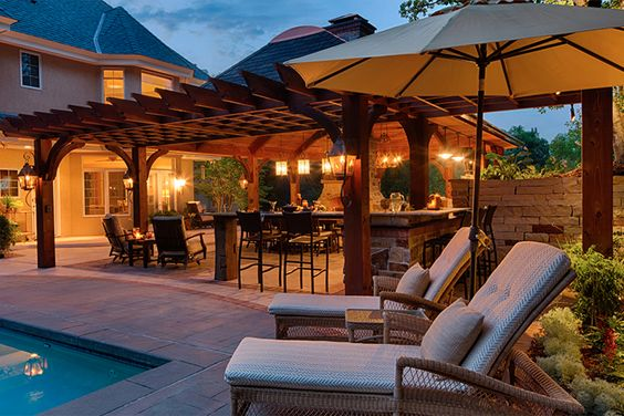 poolside-with-patio